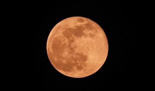 Yi Ren Hao Yue 一人皓月 A Bright Moon Lyrics 歌詞 With Pinyin By Jin Ling 锦零