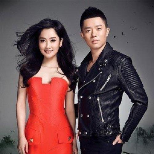 Dong Fang Hua Kai 东方花开 Oriental Flowers Bloom Lyrics 歌詞 With Pinyin By Feng Huang Chuan Qi 凤凰传奇 Phoenix Legend