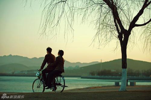 Dan Che Lian Ren 单车恋人 A Lover Who Comes On A Bicycle Lyrics 歌詞 With Pinyin By Hou Xian 后弦