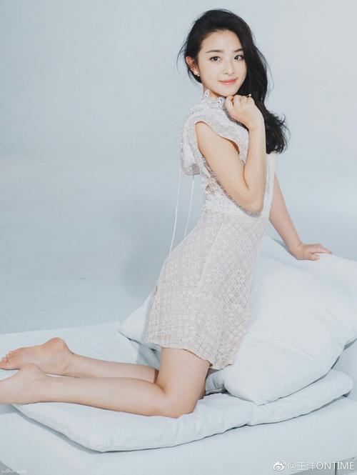 Shuang Hua 双花 Honeysuckle Lyrics 歌詞 With Pinyin By Zhang Han Yun 张含韵 Baby Zhang
