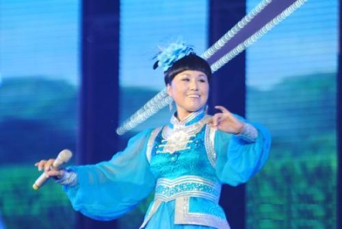 He Wo Yi Qi Fei Xiang 和我一起飞翔 Come Fly With Me Lyrics 歌詞 With Pinyin By Wu Lan Tuo Ya 乌兰托娅 Wulan Tuoya