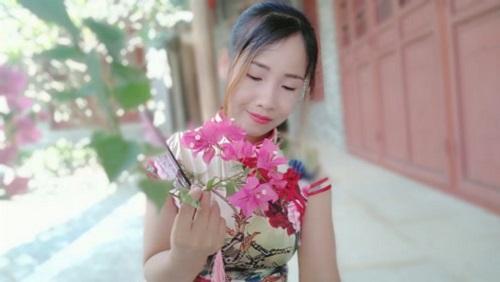 Ru Guo Bu Ai Qing Bie Shang Hai 如果不爱请别伤害 If You Don't Love Me,Don't Hurt Me Lyrics 歌詞 With Pinyin By Yun Fei Fei 云菲菲 Yun Feifei
