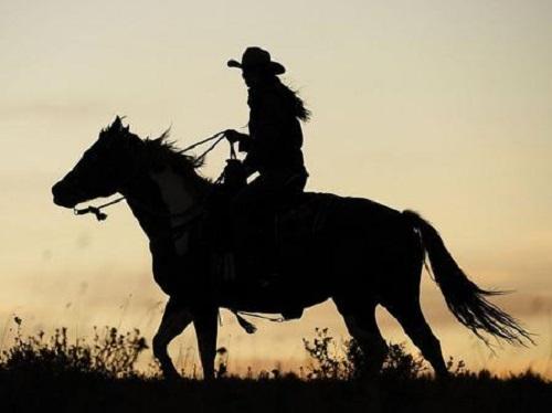 Jiang Hu Ce Ma 江湖策马 Spur The Horse To Travel The World Lyrics 歌詞 With Pinyin By Deng Shen Me Jun 等什么君