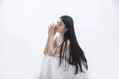 Huo Zai Hui Yi Li Mian 活在回忆里面 Living In Memory Lyrics 歌詞 With Pinyin By Dong Fang Qing Er 东方晴儿