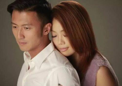 Yu Hu Die 玉蝴蝶 Jade Butterfly Lyrics 歌詞 With Pinyin By Rong Zu Er 容祖儿 Joey Yung、Xie Ting Feng 谢霆锋 Nicholas Tse