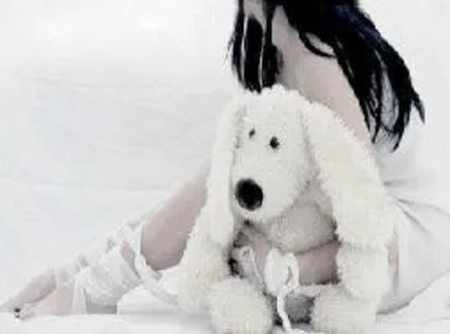 Yi Ge Ren Pa Gu Du 一个人怕孤独 A Person Is Afraid Of Loneliness Lyrics 歌詞 With Pinyin By Ren Xia 任夏