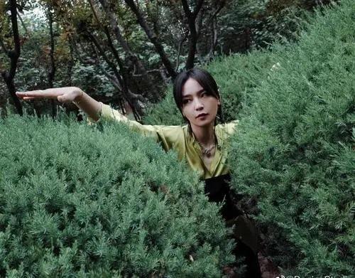 Qie Ting Xin Shuo 且听心说 Listen To Your Heart Lyrics 歌詞 With Pinyin By Zhou Bi Chang 周笔畅 Bibi Zhou