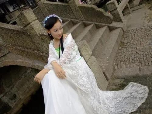 Xiao Nv Zi 小女子 Little Woman Lyrics 歌詞 With Pinyin By Tang Yi 唐艺