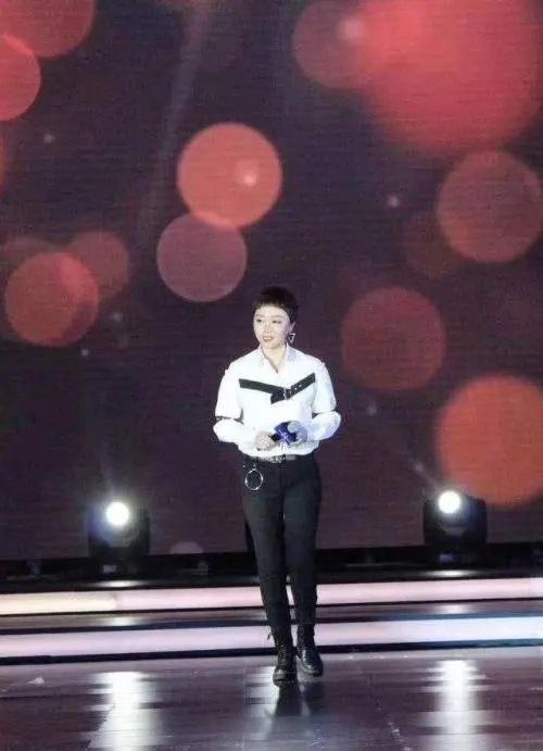 Yuan Yan 怨言 Complaint Lyrics 歌詞 With Pinyin By Xie Dan 谢丹