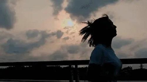 Mei Ge Fen Dou De Ren Dou Zhi De Dian Zan 每个奋斗的人都值得点赞 Everyone Who Struggles Deserves PraiseLyrics 歌詞 With Pinyin By Xue Shi Lang 雪十郎