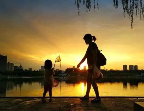 Nong Qing Xi Yang Xia 浓情夕阳下 Deep Love Under The Setting Sun Lyrics 歌詞 With Pinyin By Liu Da Hai 刘达海.webp