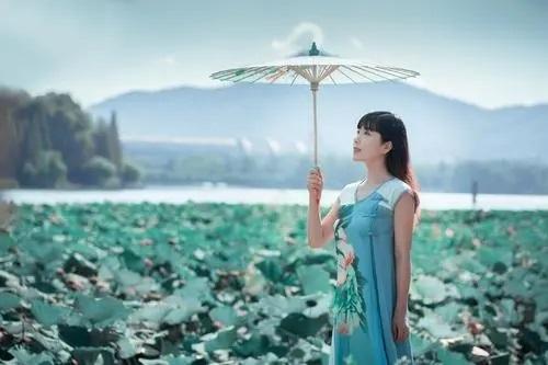 Qing Qiu Yan Yu 清秋烟雨 Misty Rain In Autumn Lyrics 歌詞 With Pinyin By Lai Jia Xin 赖嘉欣