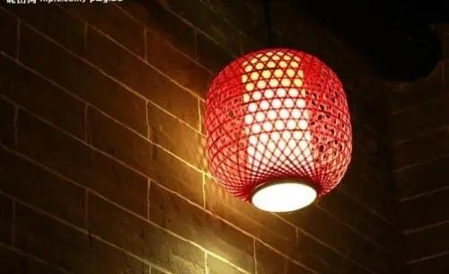 Deng Long 灯笼 Lantern Lyrics 歌詞 With Pinyin By Bi Wen Si 闭文思.webp