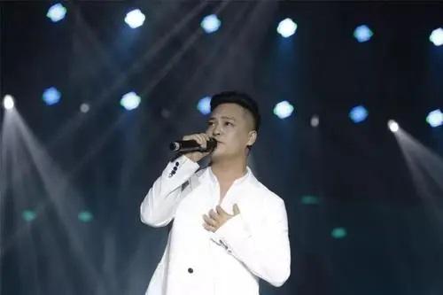 Ai Zhi Dian 爱之巅 Top Of Love Lyrics 歌詞 With Pinyin By Jiang Yu Yang 姜玉阳 Jiang Yuyang.webp